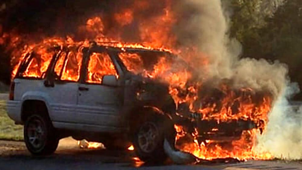 Sirmione auto in fiamme sull 39 autostrada a4 imbottita for Disegni staccati di 2 box auto