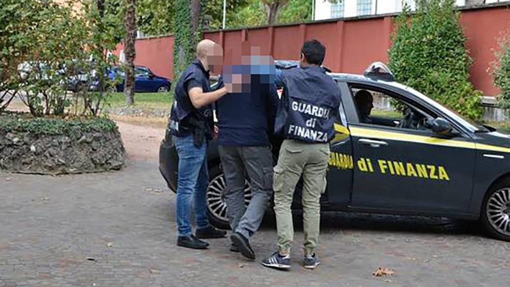 Fatture false: sequestri per 35 milioni di euro, condanne per 28 anni