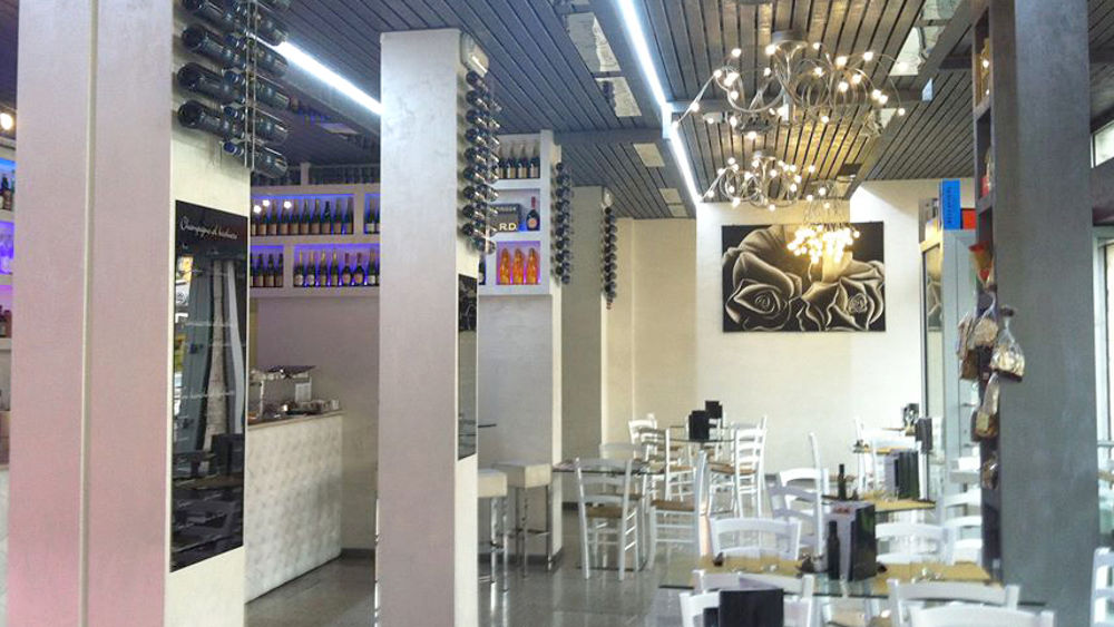 Apre i battenti opera nuovo locale ristorante con for Nuovo locale milano