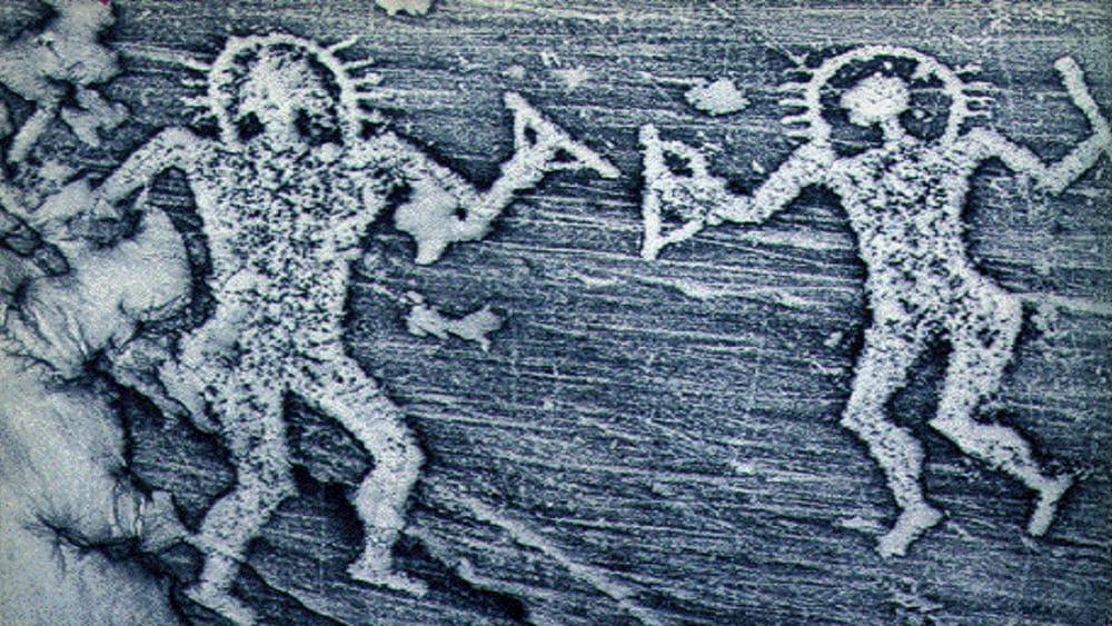 """Valle Camonica: nelle grotte dei pitoti il mistero degli """"astronauti camuni"""""""