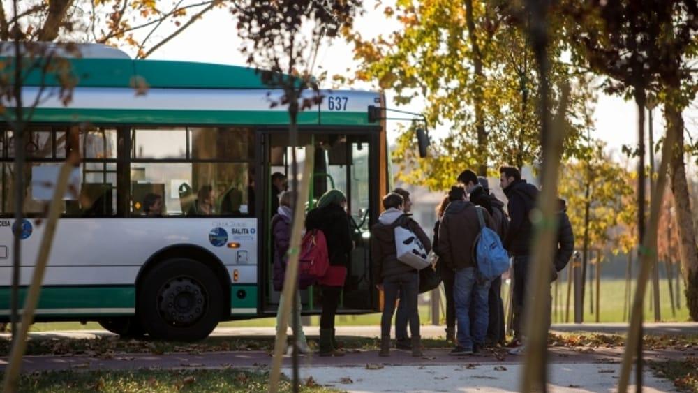 pompino sull autobus annci69